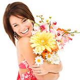 kobieta_z_kwiatami